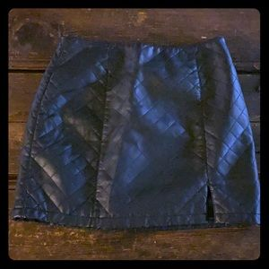 Black medium fo leather quilted quilted